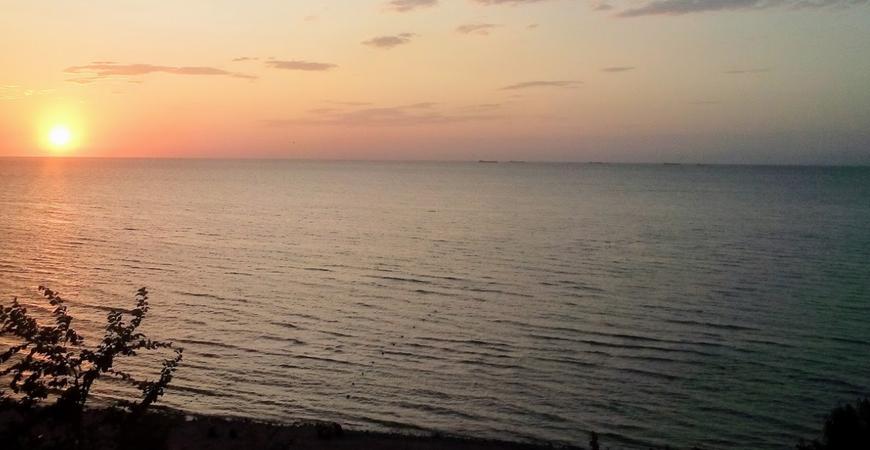 Нудистский пляж в Ейске