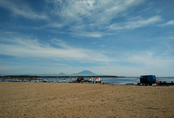 Пляж Танджунг Беноа