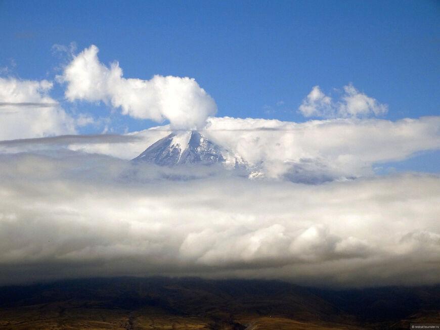 Масис над облаками