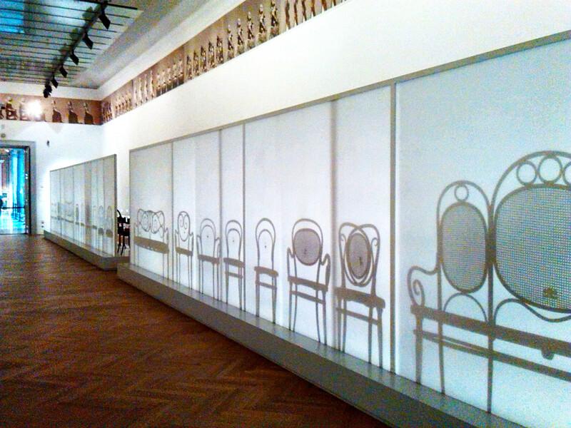 Не только старые чайники и стулья: искусство из Северной Кореи в МАКе
