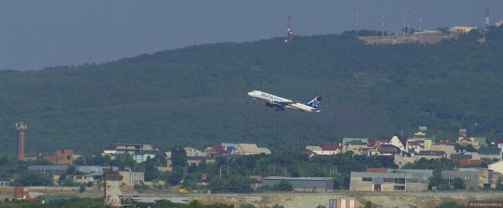 Самолет над Геленджиком © Андрей Семенов