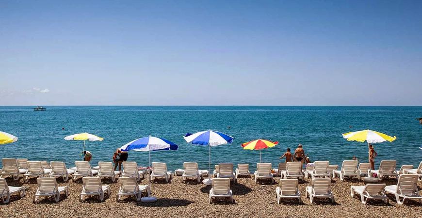 Пляж «Знание» в Адлере