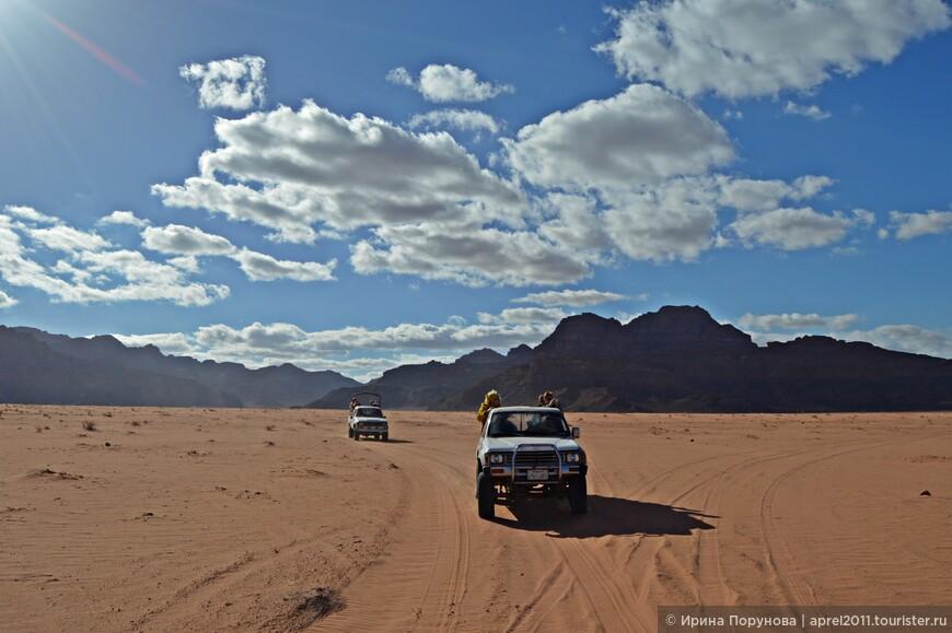 Большую часть территории Иордании, около 90%, занимают пустыни и полупустыни. Но Вади-Рам, конечно, самая необычная и фотогеничная