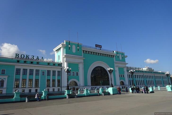Ж/д вокзал Новосибирск-Главный © Галина Еремина