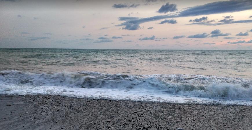 Пляж «Свирский» в Лазаревском