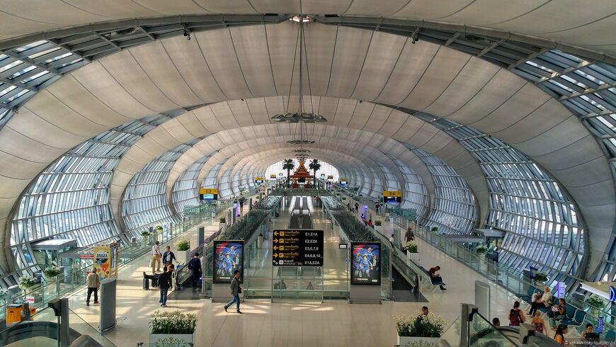 Аэропорт Бангкока Суварнабхуми и как добираться до города