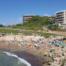Пляж Плайя-де-Льенгуадетс
