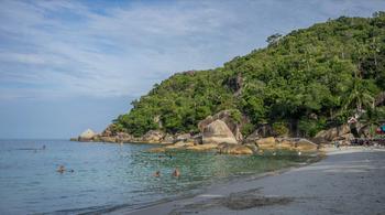 Пляж Тонгтакиан