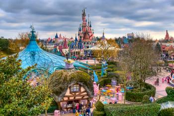 В парижском Диснейленде появятся еще три новых парка
