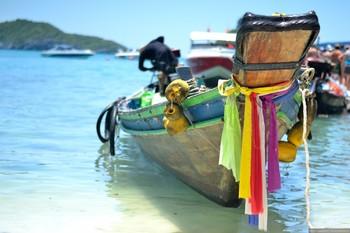 В Таиланде туристам ограничат доступ к острову Пхи-Пхи-Ле