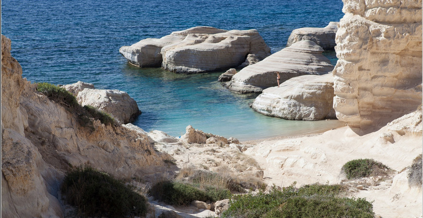 Дикий пляж у Sea Caves («Белый пляж»)