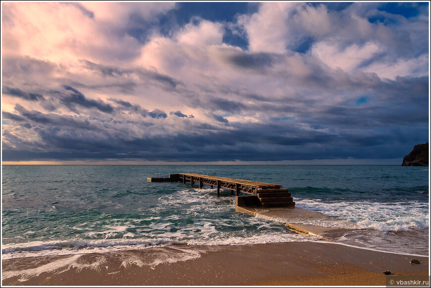 Будва. Пляж Ричардова Глава.