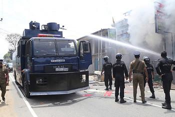 На Шри-Ланке отменили режим ЧС