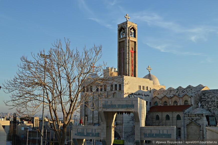 Традиционно христиане были хорошо интегрированы в общественную жизнь Иордании, они составляли и составляют важную часть политической и экономической элиты.