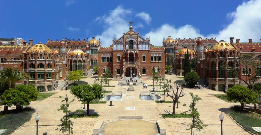 Госпиталь Санта Креу и Сан Пау