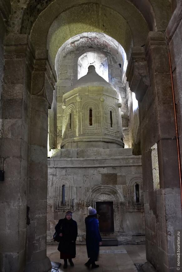 Копия кувуклии храма Гроба Господня (XIV век).