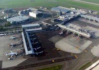 PRG_Ruzyne_airport_view_8971b.jpg