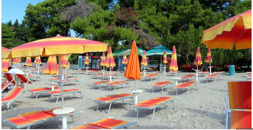 Пляж Плави Хоризонти (Plavi Horizonti Plaža)