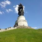 Монумент «Воин-освободитель» в Трептов-парке