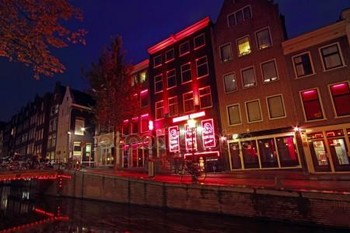 В Амстердаме предложили ввести турсбор за посещение Квартала красных фонарей