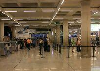 1024px-X100_Flughafen_Palma_de_Mallorca_Schalter_zum_Einchecken.jpg