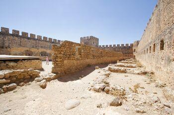 Венецианская крепость Франгокастелло
