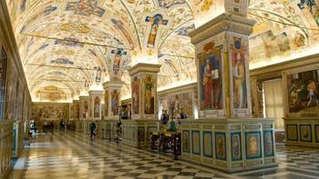 Музеи Ватикана можно посетить рано утром