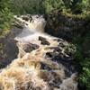 Какой бы чистейшей ни была вода в горных реках, по цвету - это чистейший виски!