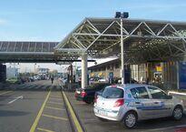 Entrée_de_l'aéroport_de_Genève.jpg