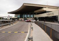 Valencia_Airport_Terminal.jpg