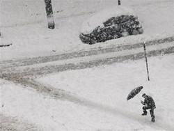 В Италии из-за снегопада парализовано железнодорожное и автотранспортное движение