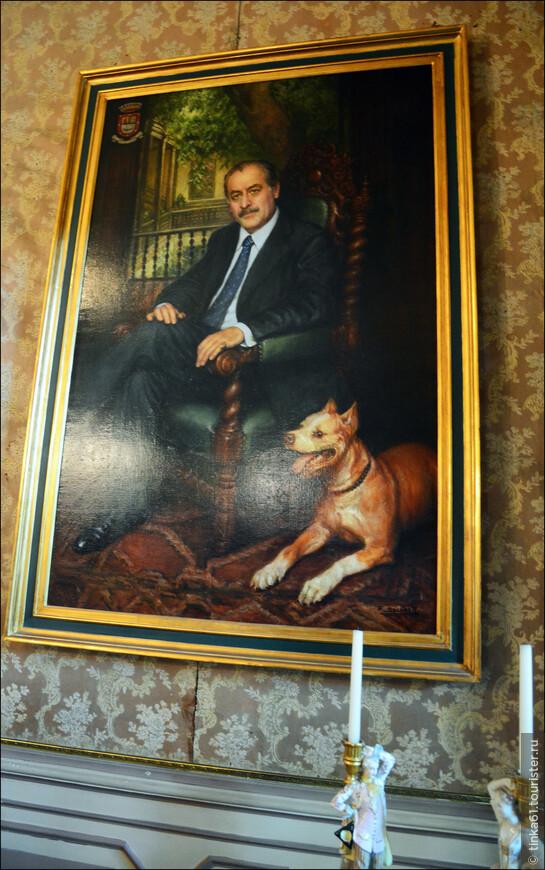 Портрет потомка капитана Альяги, нынешнего хозяина дома.