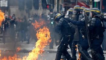 МИД РФ предупреждает об антиправительственных акциях во Франции