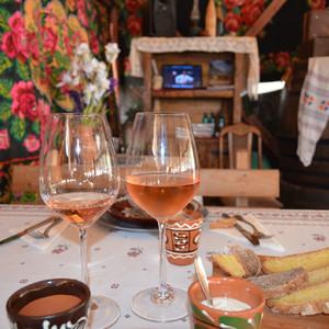 Мир, труд, май и… вино!