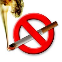 В Японии запретят курить на пляжах
