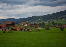 Фотография из окна поезда во время поездки во Франциюю и Швейцарию в сентябре 2015 года.