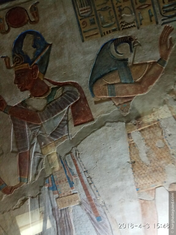 Фрагмент росписи на стене в одной из гробниц в Долине Цариц.