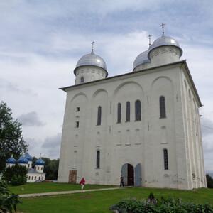 Древние соборы Свято-Юрьева монастыря