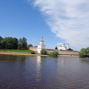 Речной круиз по Волхову возле Новгорода