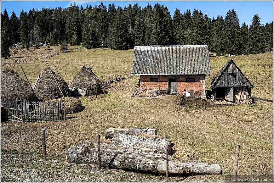 Всем, кто путешествует по Черногории, очень легко - заглянуть в соседние интересные страны - по сути - раньше это все была одна страна. Всего лишь требуется разработать маршрут и сесть в нужном месте в нужное время в автобус, идущий в конкретном направлении.
