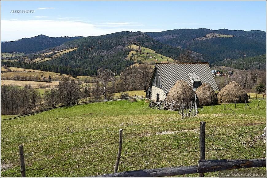 Эти кадры, предваряющие знакомство с Сараево я включил сюда не случайно. Вот по таким красивым местам мы ехали в апреле месяце по трассе на автобусе. И у меня периодически возникало желание запечатлеть виды - снимая прямо из окна. Все, что я видел в Боснии и Герцеговине - просто поразило мое воображение.Насколько красива Черногория, но соседние страны - не менее прекрасны...
