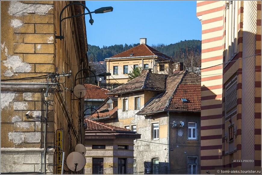С 1918 года Сараево - административный центр края Босния и Герцеговина в составе Королевства сербов, хорватов и словенцев. В том же году впервые в истории мэром Сараева стал серб — Аристотель Петрович.