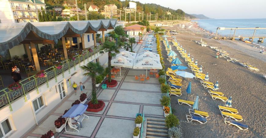 Пляж «Одиссея» в Лазаревском