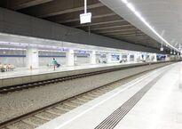 Bahnhof_VIE_-_Bahnsteige_Ost.jpg
