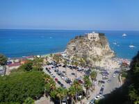 Тропеа — главный курорт Юга Италии в Калабрии