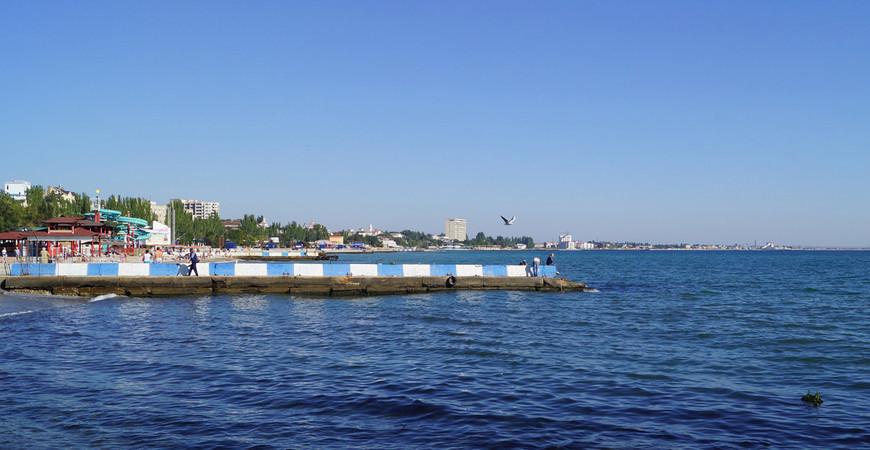 Центральный пляж Феодосии «Камешки»