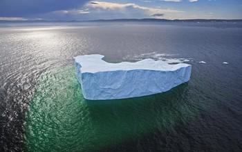 NASA: крупнейший на планете айсберг может растаять