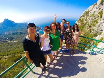 Туристы из Китая и Таиланда едут в Крым