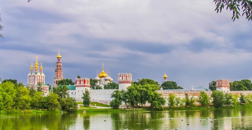 Богородице-Смоленский Новодевичий монастырь в Москве