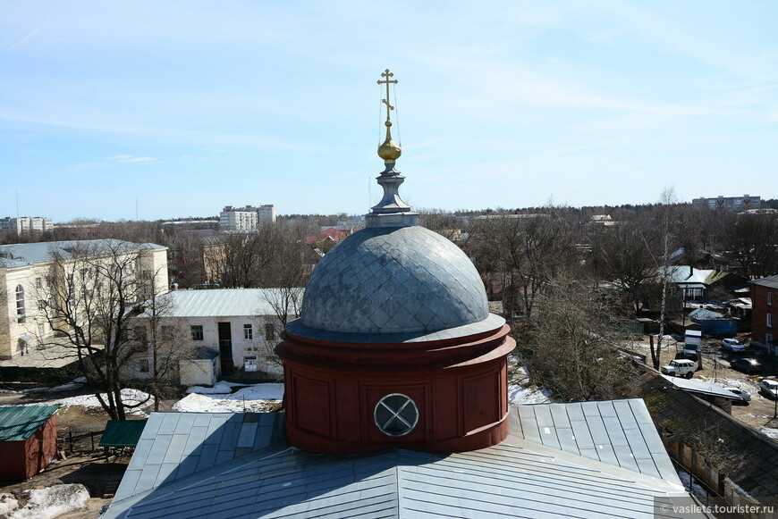 Вид с колокольни скромный